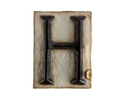 Панно Буква H (черно-белый)
