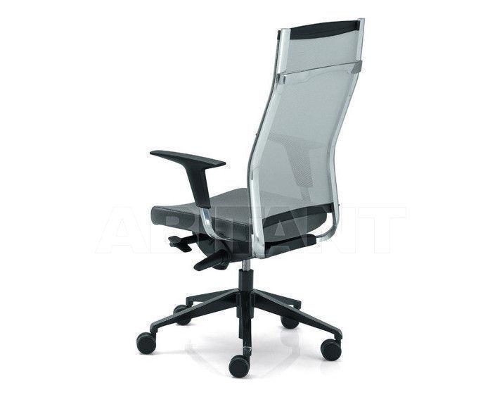 Купить Кресло для руководителя Tecnoarredo srl Poltrone Direzionali TSP205