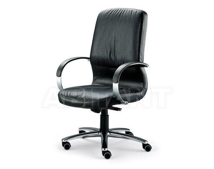 Купить Кресло для руководителя Tecnoarredo srl Poltrone Direzionali TT107R