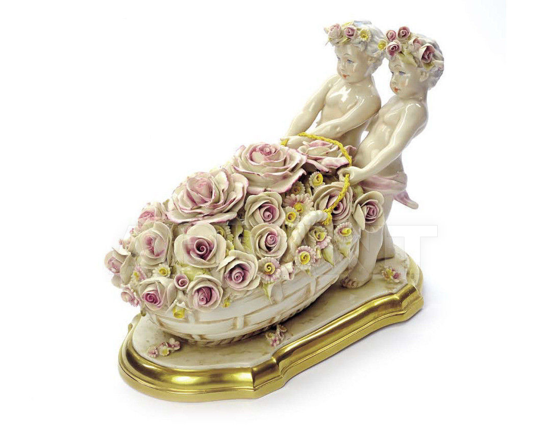 Купить Статуэтка FLOWERS PICKING Villari Capodimonte T.01783-006