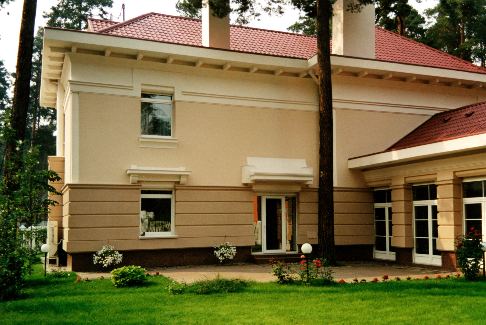 Дизайн фасада старого дома
