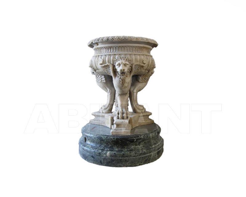 Купить Фонтан декоративный Atelier Promethee Les collections de Marbre vasque cannelée sur tripode de griffons et plinthe